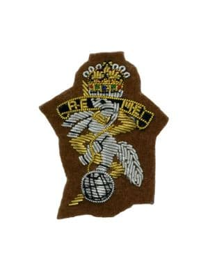 REME Royal Electrical Mechanical Engineers Officers Beret Badge On Sand